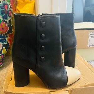 Size 6 Zara booties in black with white toe tip
